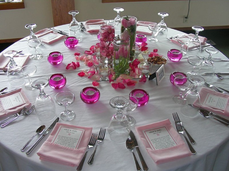 Round Table Setting Ideas